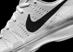 NikeCourt_Air_Zoom_Vapor_9.5_Flyknit_1_rectangle_1600